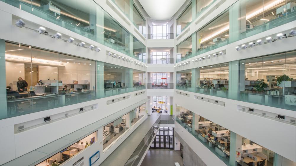 Atrium showing visible labs